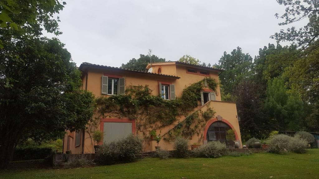 Villa in ottime condizioni arredato in affitto Rif. 7364054