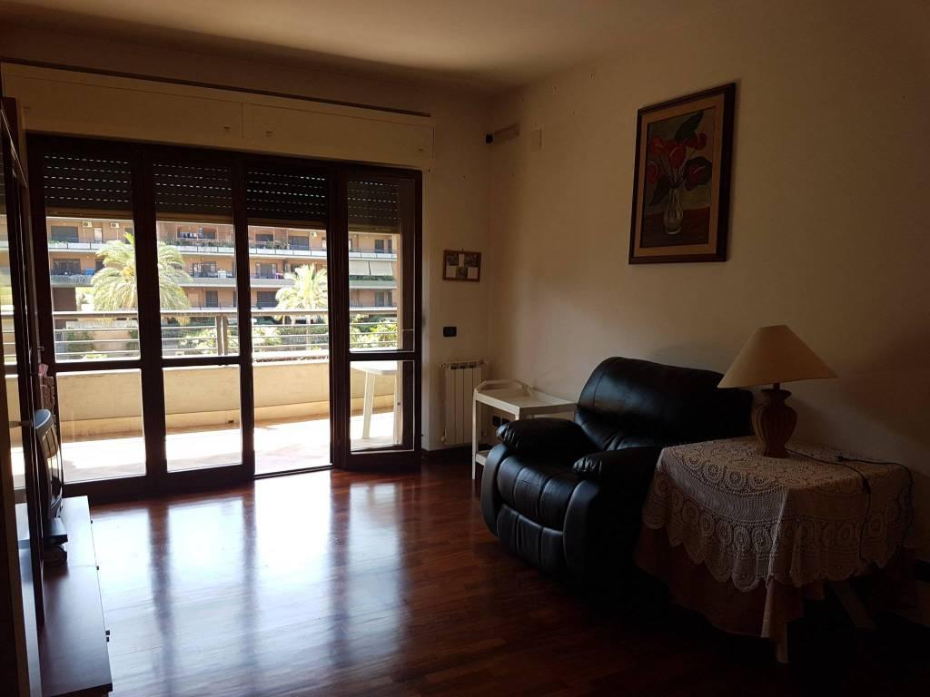 Appartamento in ottime condizioni in vendita Rif. 7361877