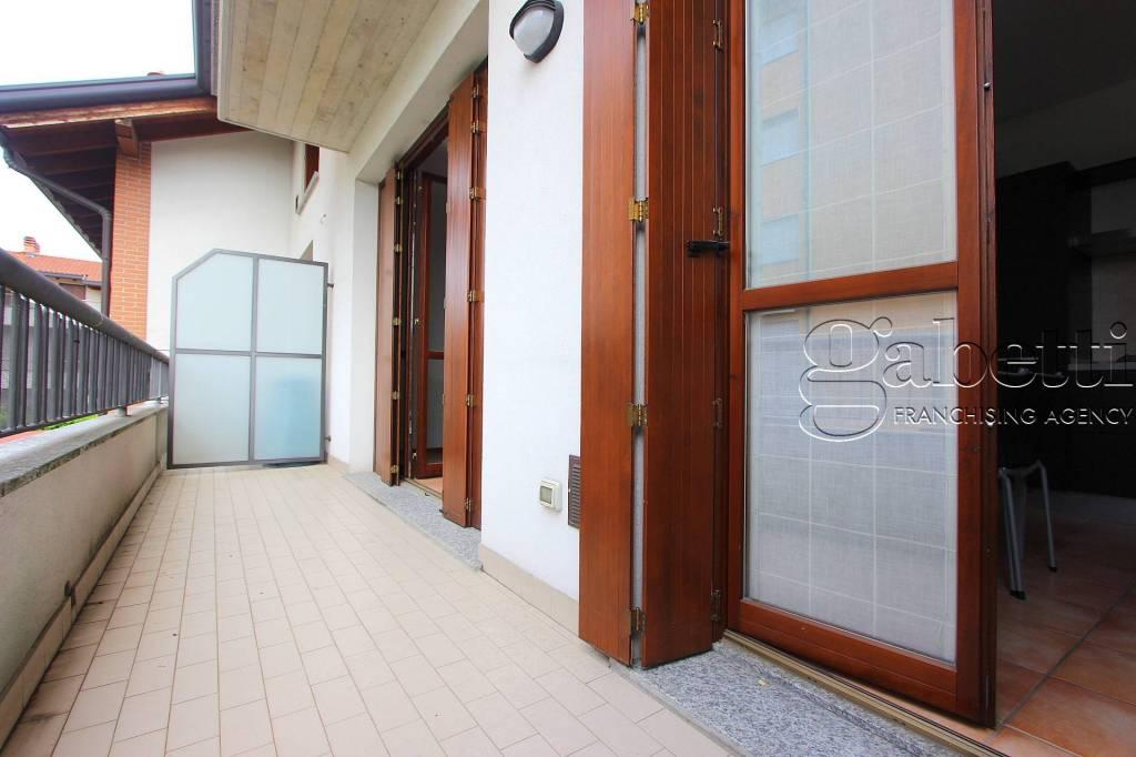 Appartamento in ottime condizioni in vendita Rif. 7361208