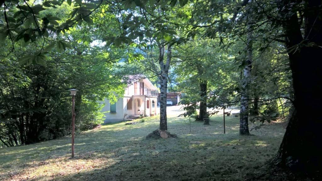Villa in buone condizioni parzialmente arredato in vendita Rif. 7364436