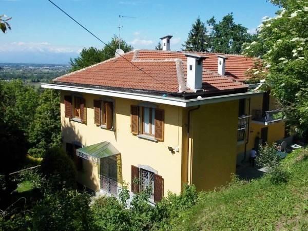 Foto 1 di Villa strada del Luogo 49, Castiglione Torinese