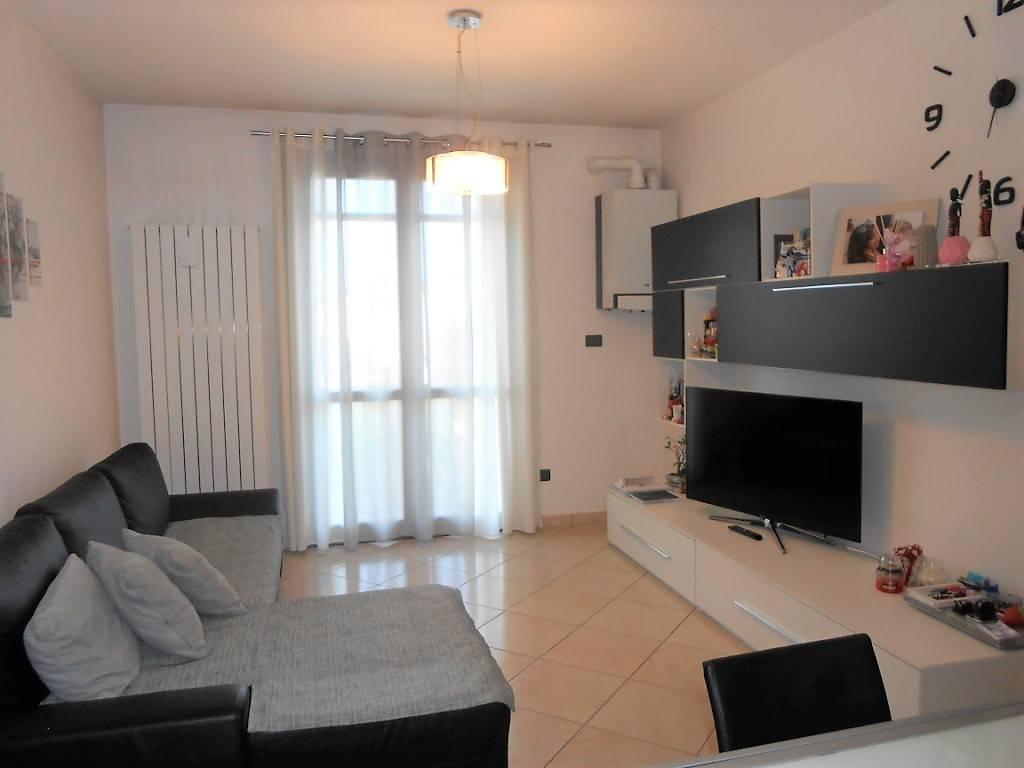 Appartamento in ottime condizioni arredato in affitto Rif. 7360198