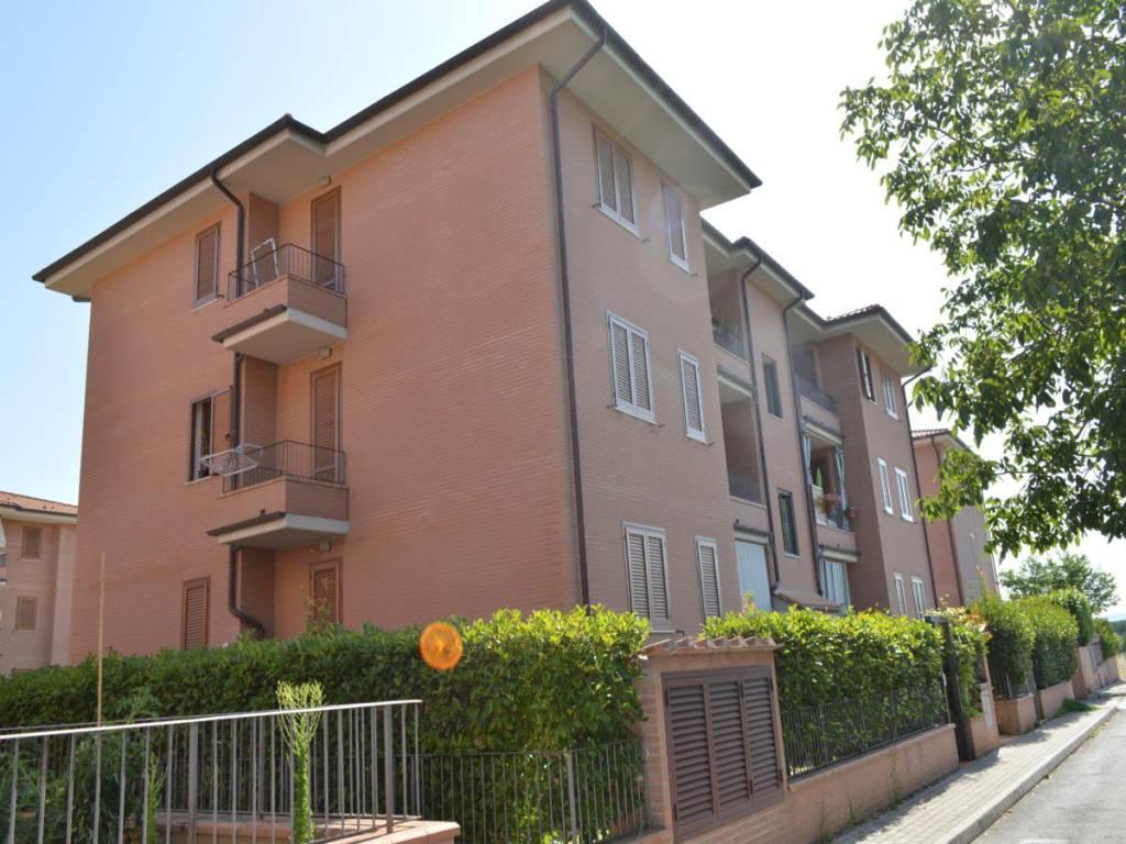 Appartamento in ottime condizioni arredato in vendita Rif. 7365422