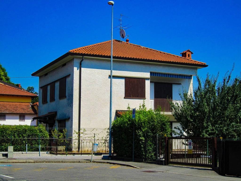 Appartamento in buone condizioni in vendita Rif. 7758341