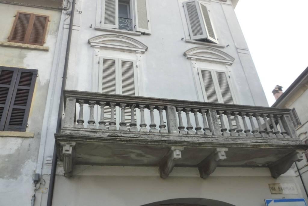 Appartamento in ottime condizioni in vendita Rif. 7360648
