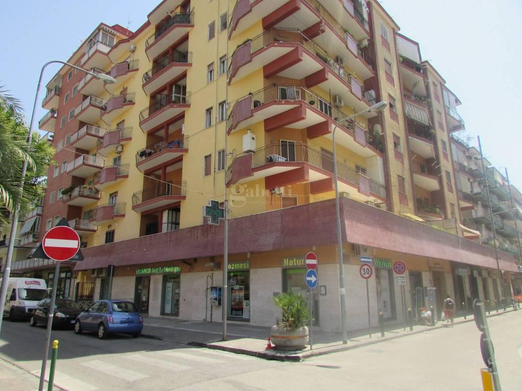 Appartamento in ottime condizioni in affitto Rif. 7365248