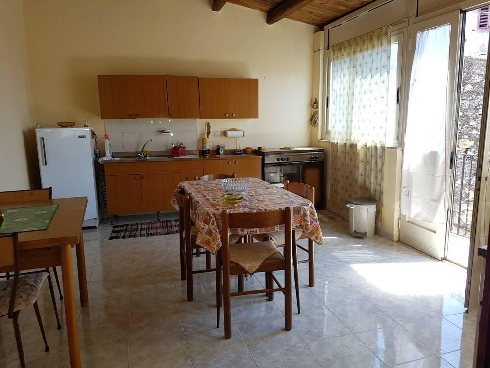 Appartamento in ottime condizioni in vendita Rif. 7362204