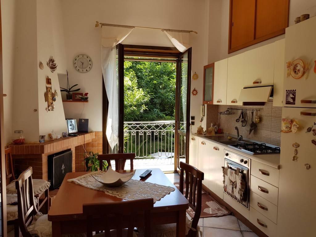Appartamento in ottime condizioni arredato in vendita Rif. 7365623