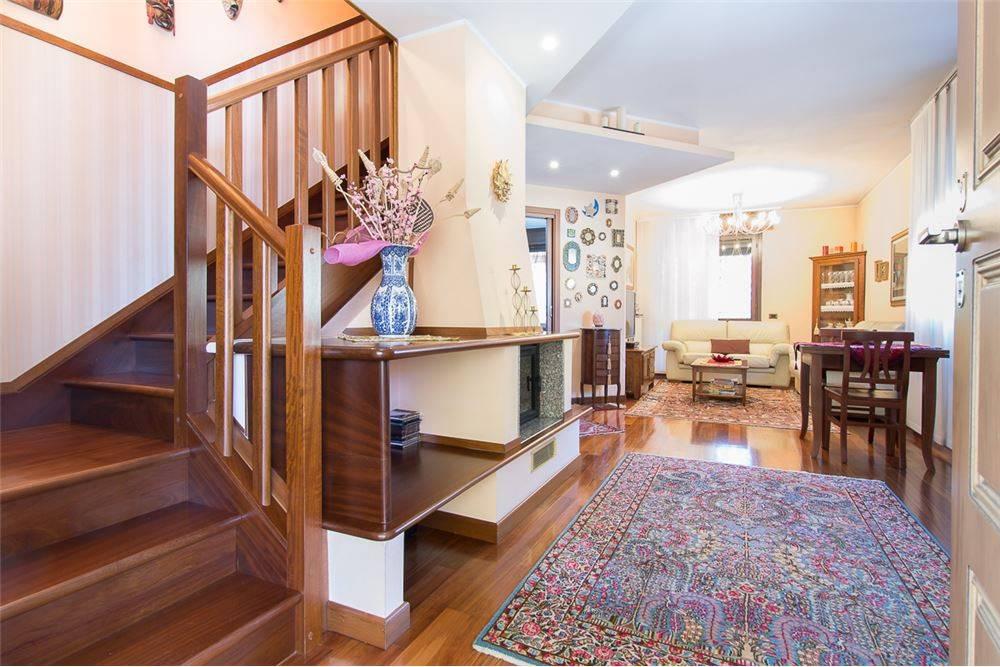 Appartamento in vendita Rif. 7375215