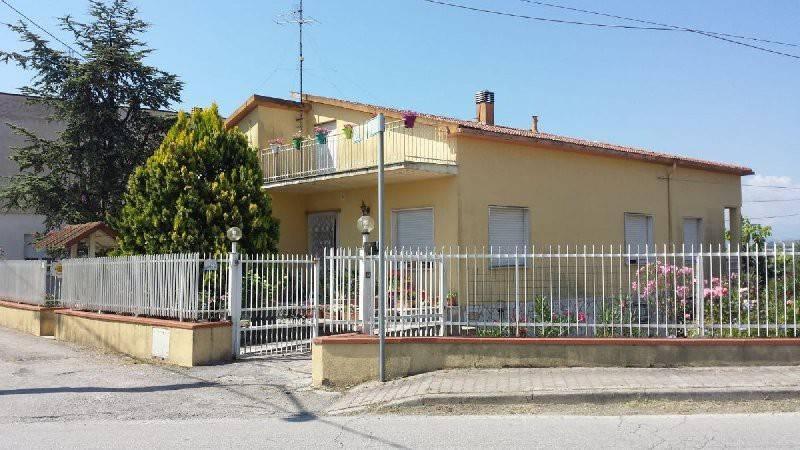 Casa Indipendente in buone condizioni in vendita Rif. 7376805
