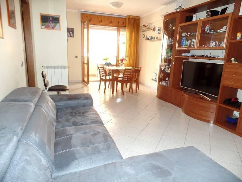 Appartamento in buone condizioni in vendita Rif. 7373485