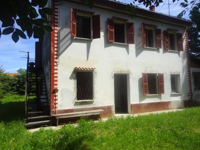 Villa in vendita a Alessandria, 6 locali, prezzo € 95.000 | CambioCasa.it