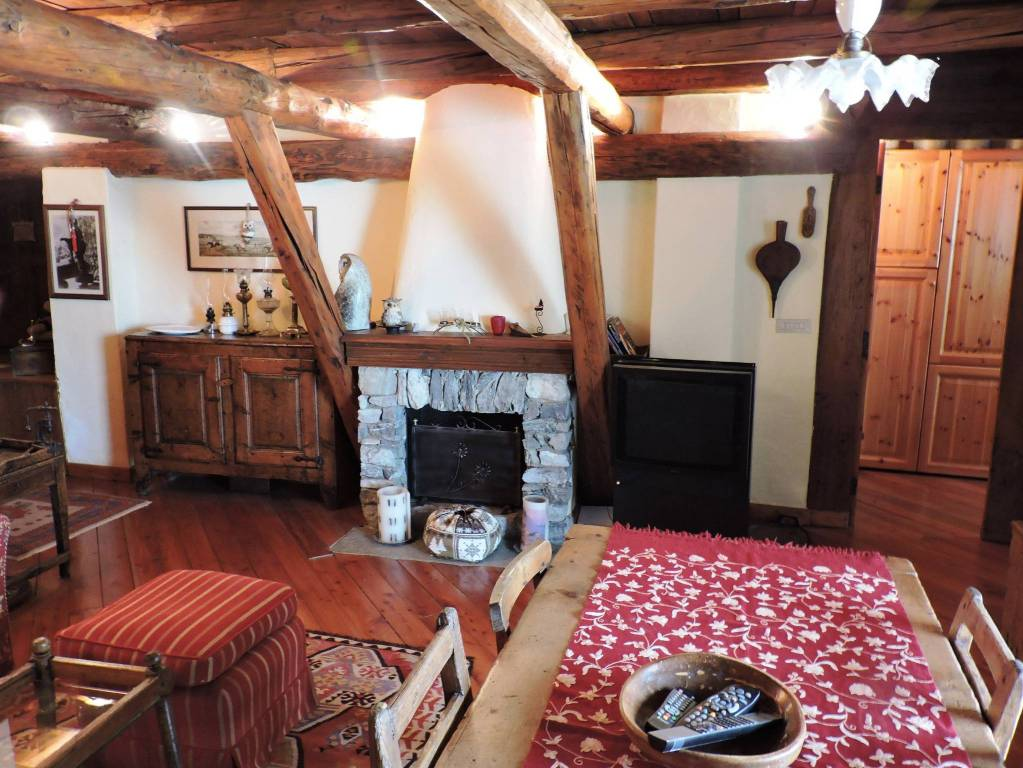 Appartamento in ottime condizioni arredato in vendita Rif. 7373936