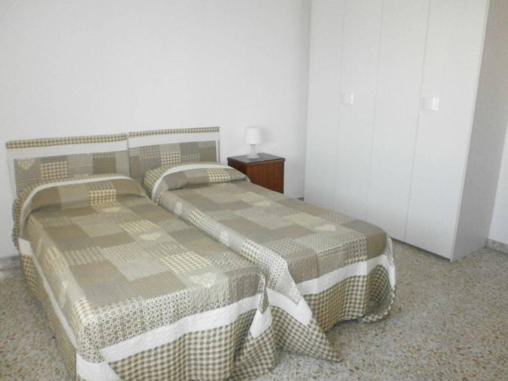 Appartamento in buone condizioni arredato in affitto Rif. 7379364