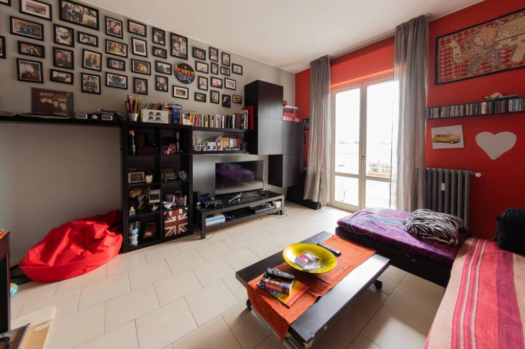 Appartamento in buone condizioni arredato in vendita Rif. 7375023