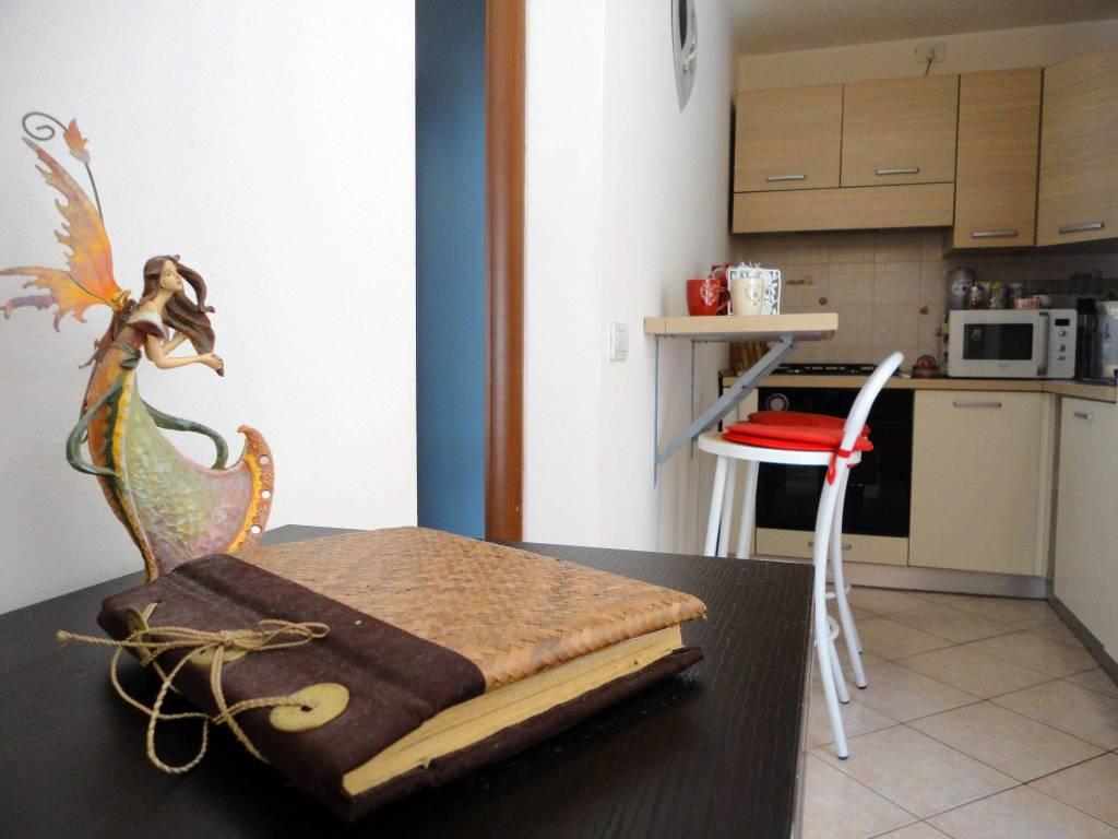 Appartamento in ottime condizioni parzialmente arredato in vendita Rif. 7376384