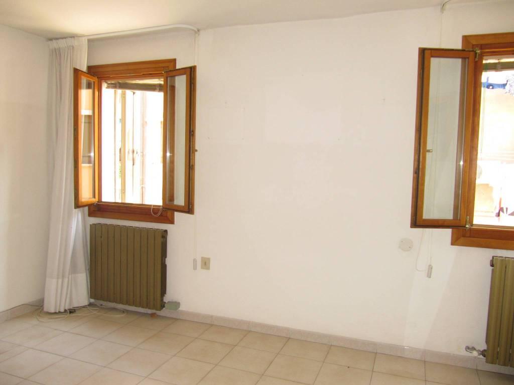 Casa indipendente 5 locali in vendita a Chioggia (VE)