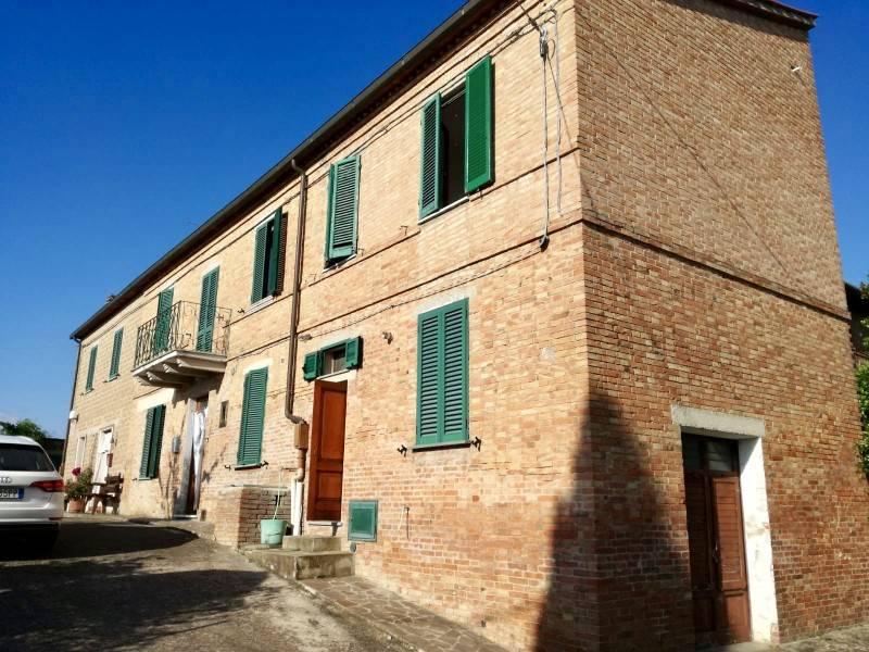 Appartamento in Vendita a Castiglione Del Lago: 5 locali, 145 mq