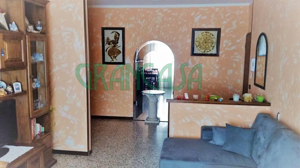 Appartamento in buone condizioni in vendita Rif. 7373532