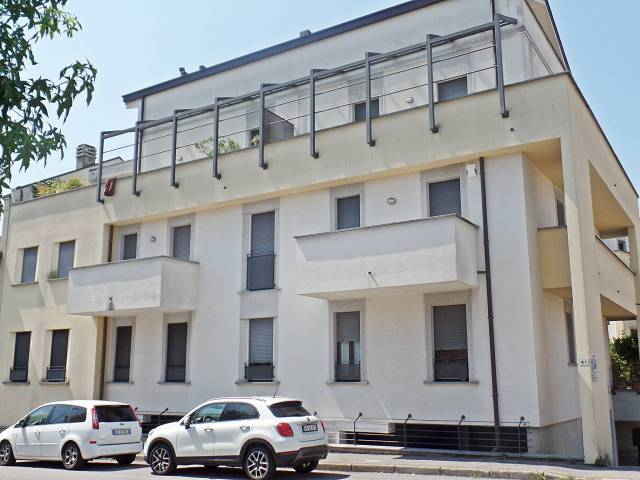 Appartamento in buone condizioni in vendita Rif. 4836674