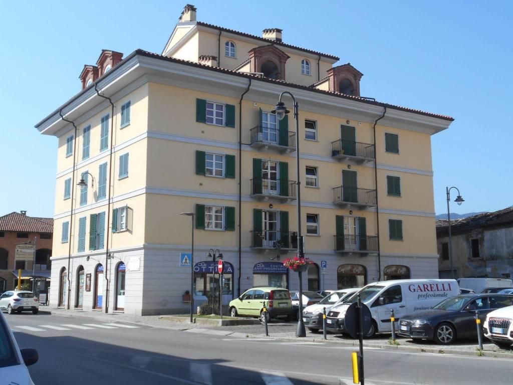 Appartamento in ottime condizioni in vendita Rif. 7379830