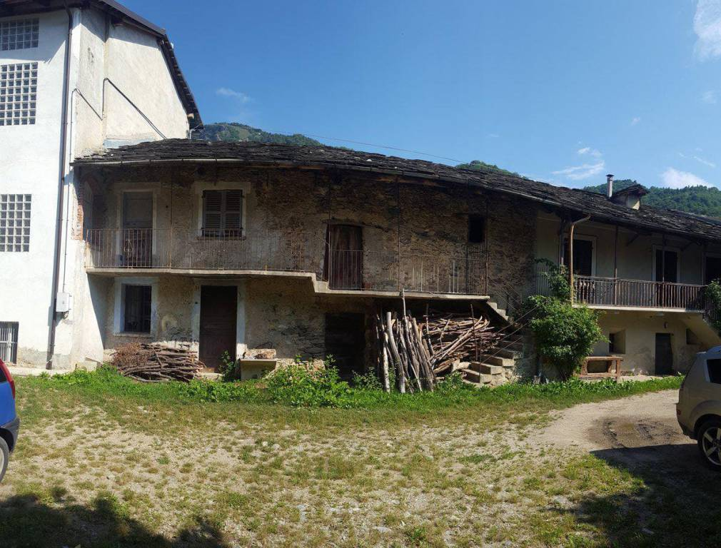 Rustico / Casale in vendita a Monterosso Grana, 9999 locali, prezzo € 48.000 | CambioCasa.it