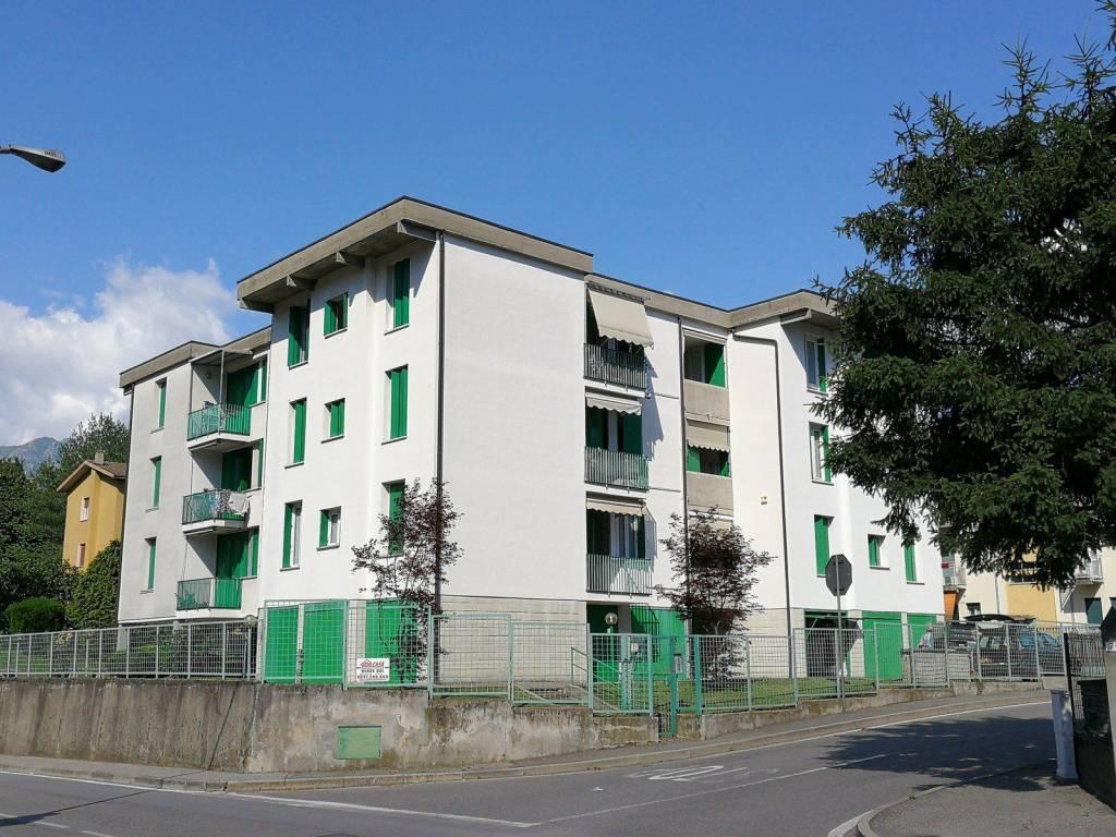 Appartamento in buone condizioni in vendita Rif. 6935070