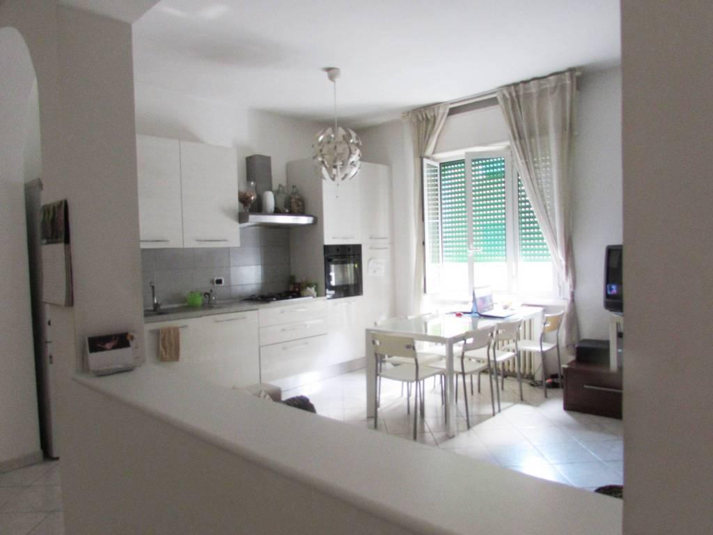 Appartamento in buone condizioni arredato in vendita Rif. 7375644