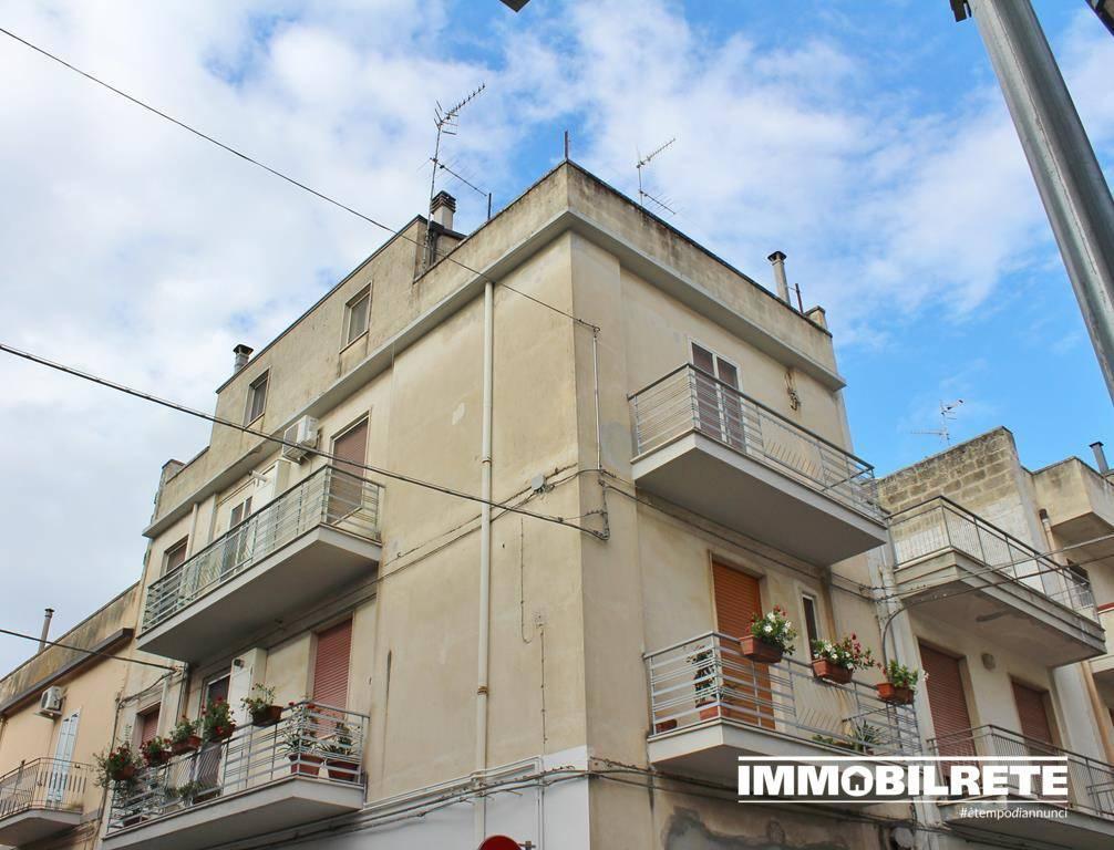 Appartamento in buone condizioni in vendita Rif. 7385891