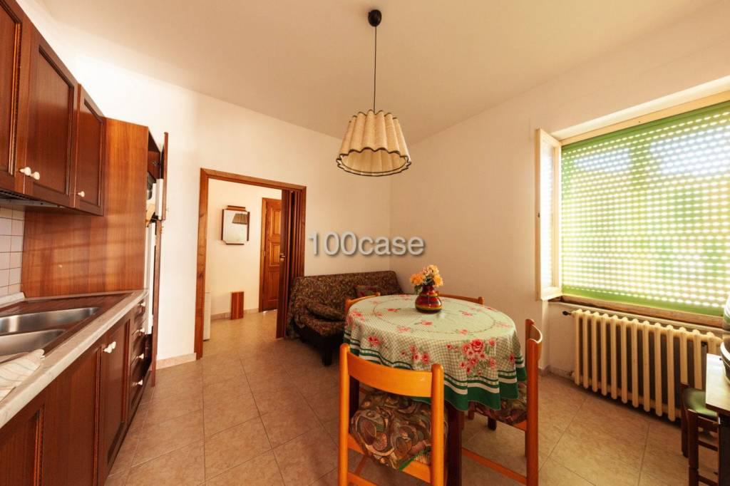 Appartamento in ottime condizioni arredato in vendita Rif. 7385430