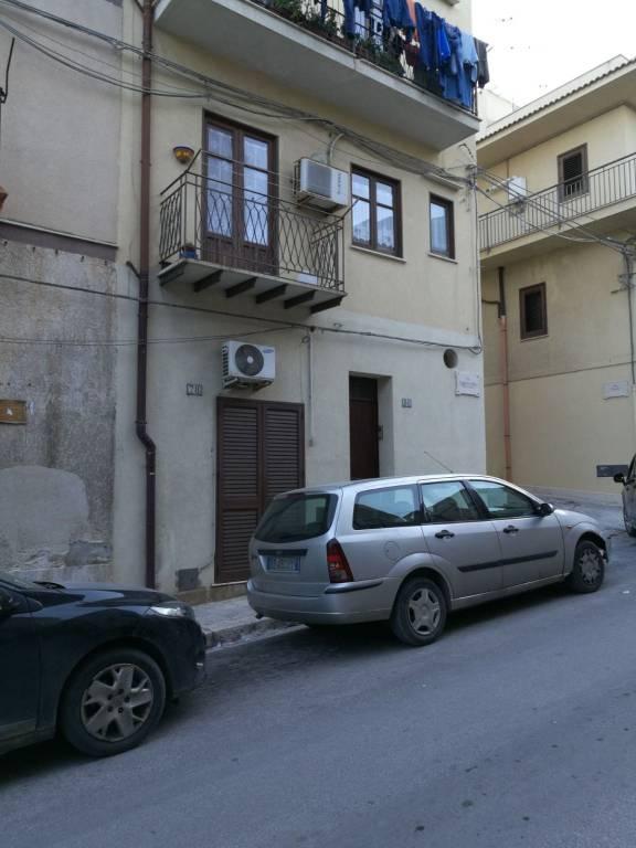 Appartamento in ottime condizioni arredato in vendita Rif. 7385355