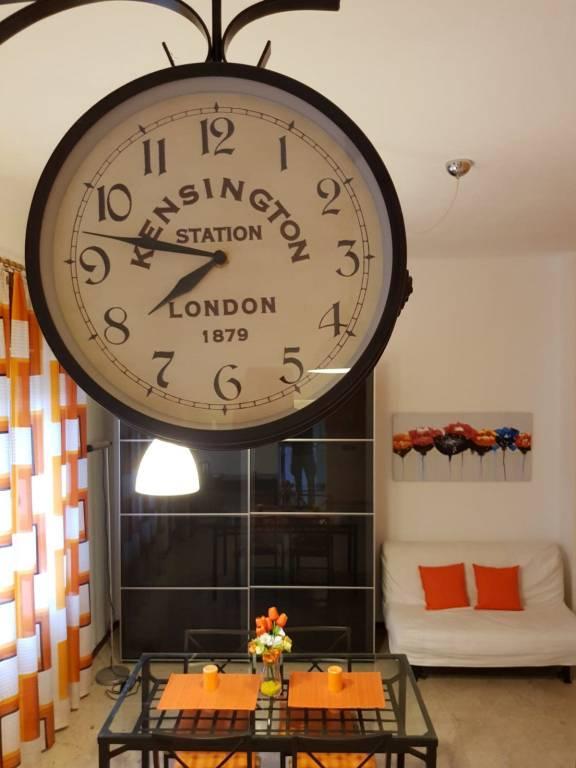Appartamento in buone condizioni arredato in affitto Rif. 7384988