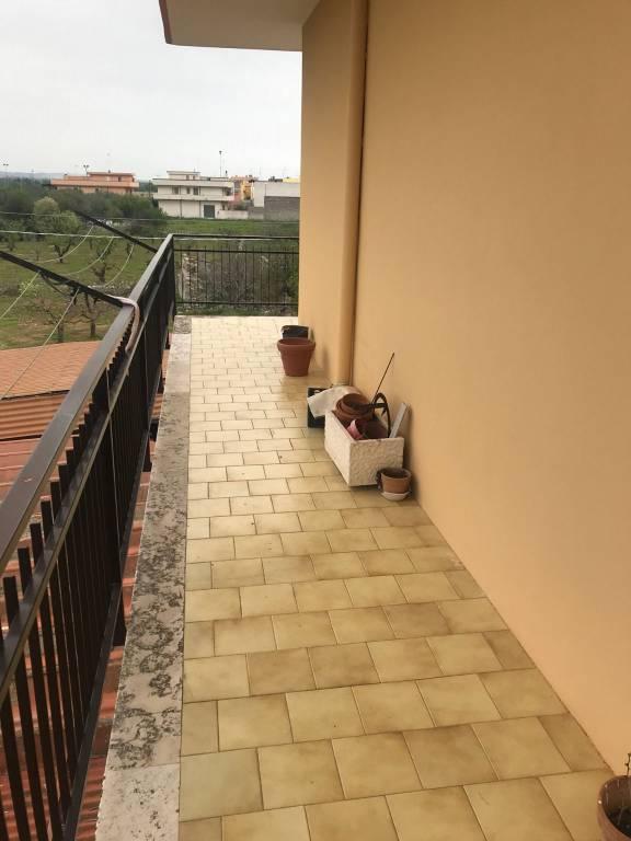 Appartamento in ottime condizioni in vendita Rif. 7384815