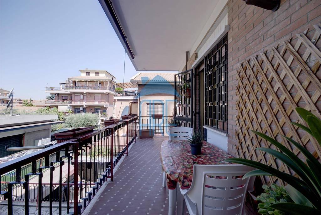 Appartamento in vendita a Roma, 3 locali, zona Zona: 36 . Finocchio, Torre Gaia, Tor Vergata, Borghesiana, prezzo € 239.000 | CambioCasa.it