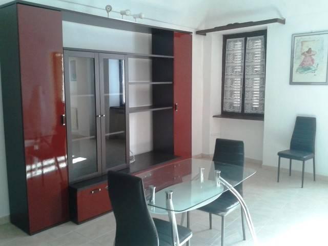 Appartamento in affitto a Santhià, 2 locali, prezzo € 340 | CambioCasa.it