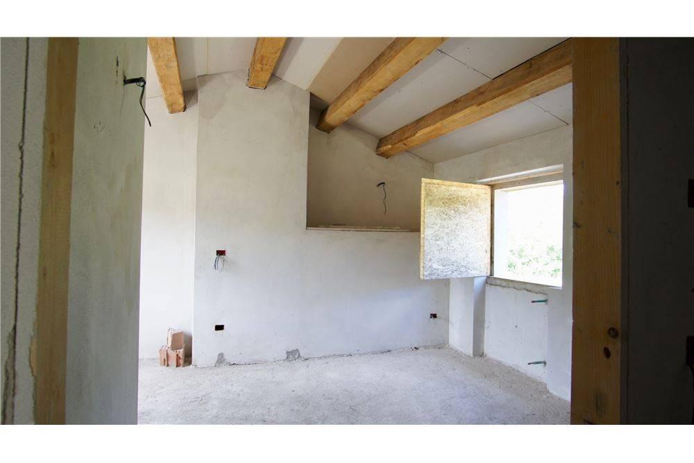 Casa indipendente quadrilocale in vendita a San Leo (RN)-17