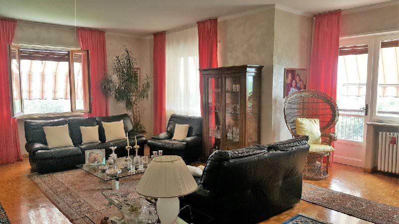 Appartamento in buone condizioni in vendita Rif. 7400793