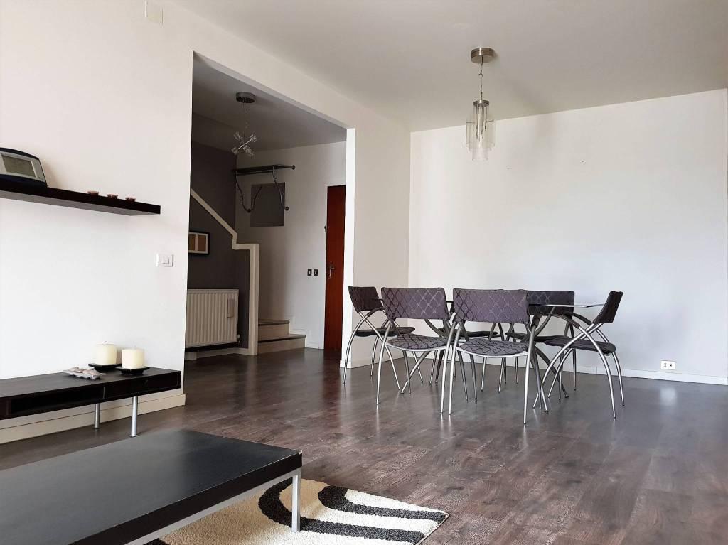 Appartamento in ottime condizioni parzialmente arredato in vendita Rif. 7493734