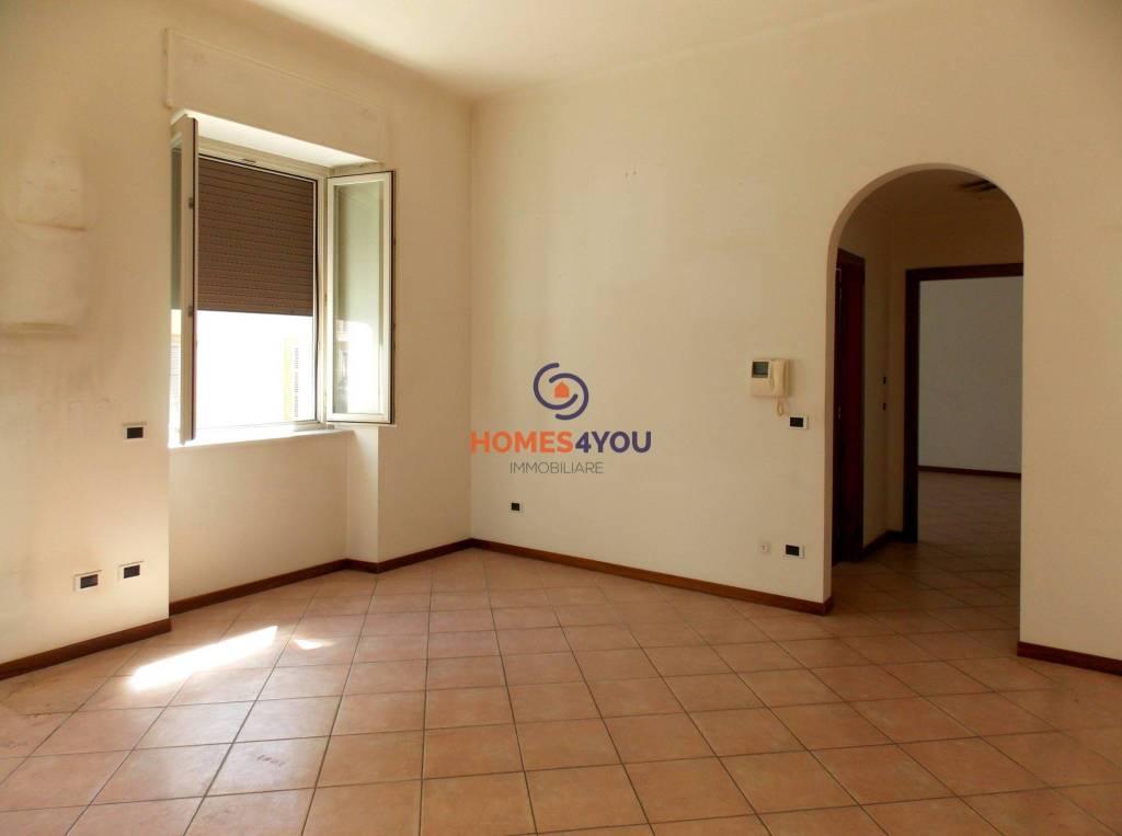 Appartamento in buone condizioni in affitto Rif. 7217434