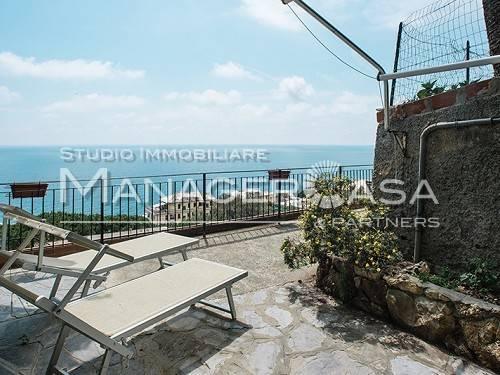Appartamento in affitto a Bogliasco, 6 locali, prezzo € 1.100 | CambioCasa.it
