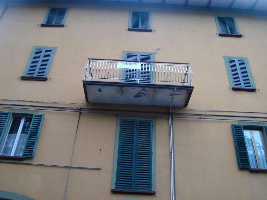 Appartamento in buone condizioni parzialmente arredato in vendita Rif. 7401773