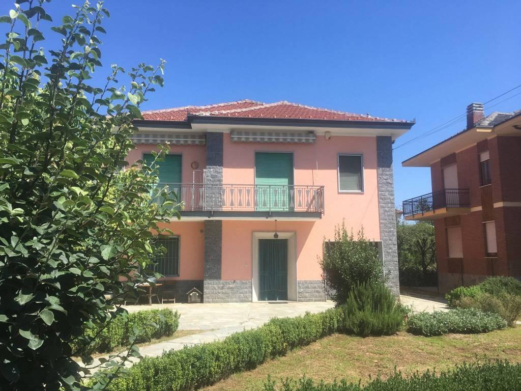 Appartamento in affitto a Chieri, 4 locali, prezzo € 460 | CambioCasa.it