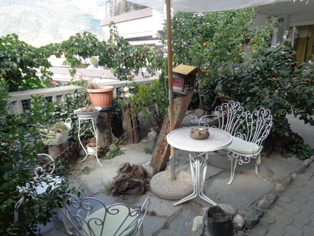 Appartamento in buone condizioni in vendita Rif. 7401076