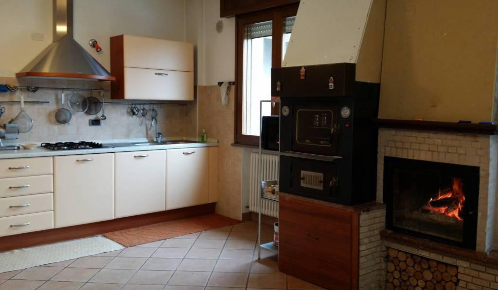 Villa in Vendita a Verucchio Periferia: 3 locali, 202 mq