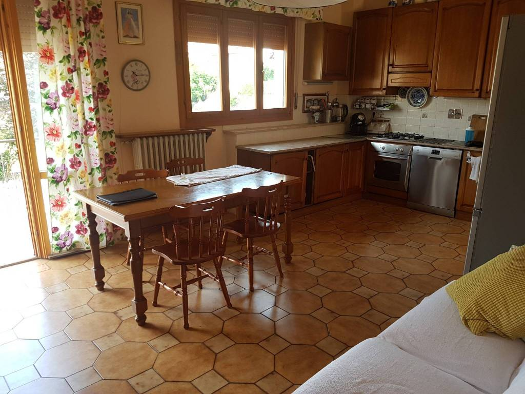 Casa Indipendente in ottime condizioni in vendita Rif. 7401877