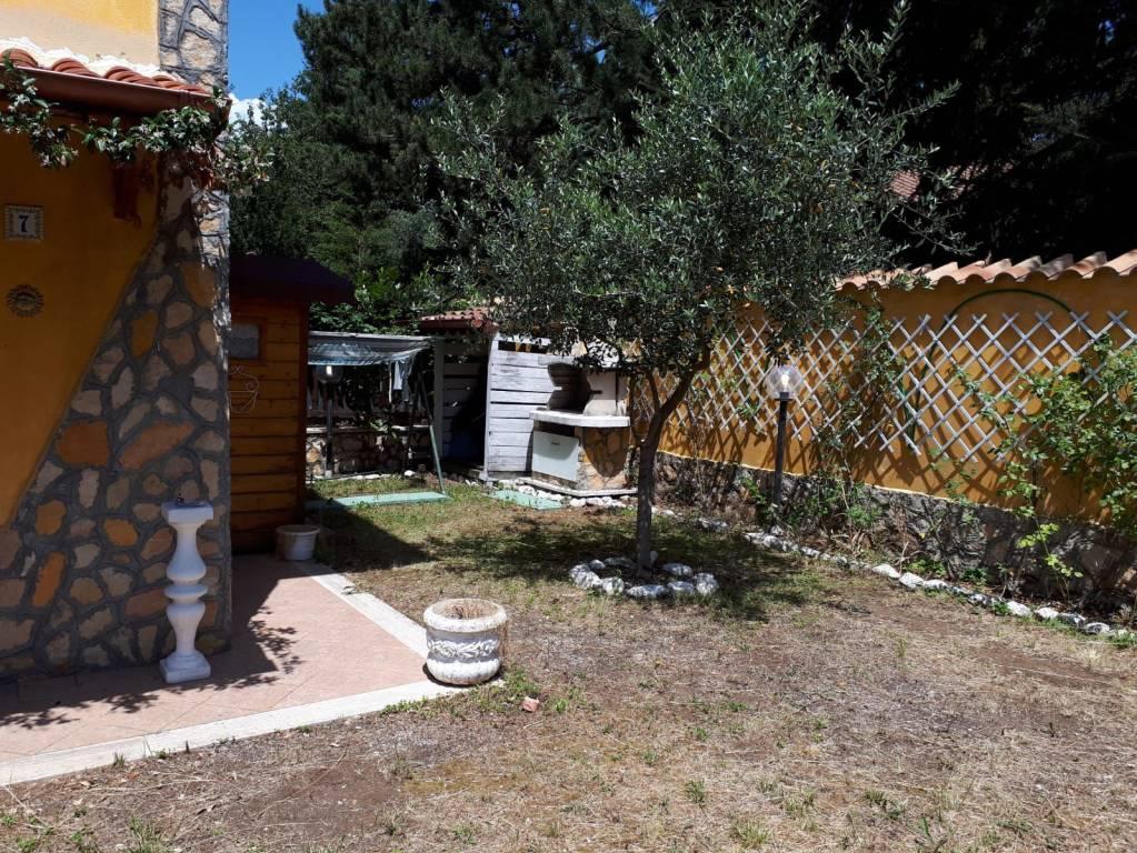 Villetta a schiera in ottime condizioni arredato in vendita Rif. 8256670