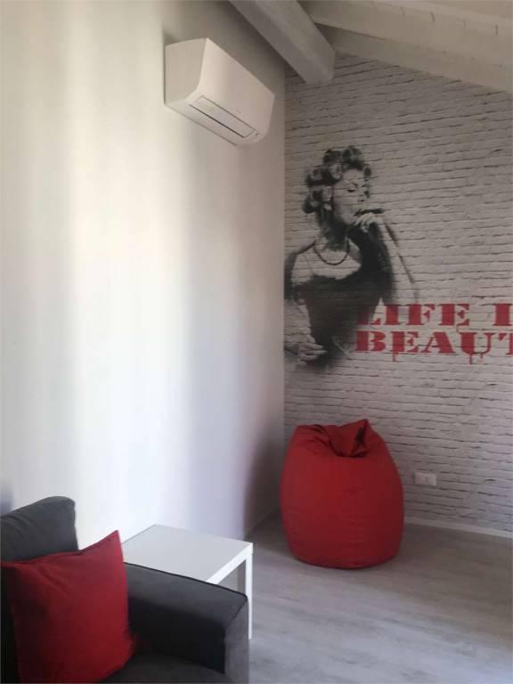 Appartamento in ottime condizioni arredato in affitto Rif. 7413958