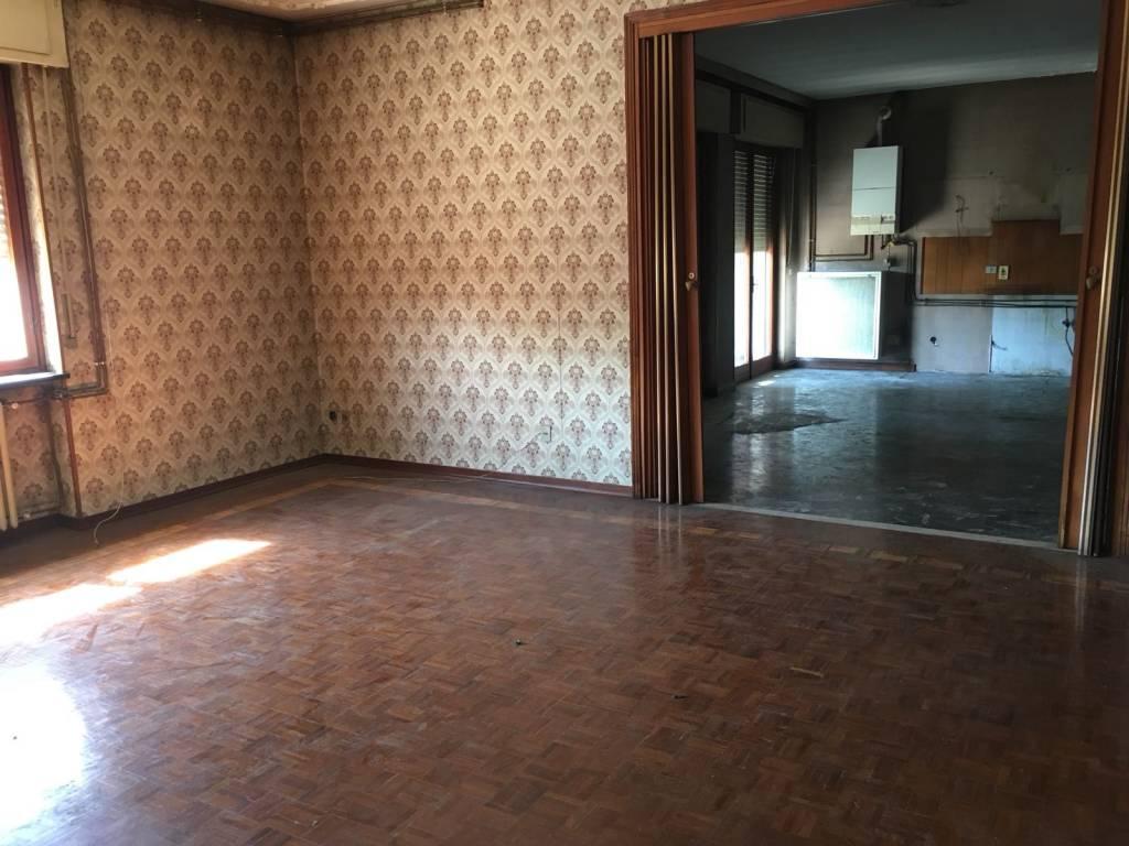 Appartamento da ristrutturare in vendita Rif. 7414771