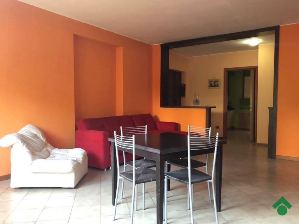 Appartamento in buone condizioni in vendita Rif. 9259578