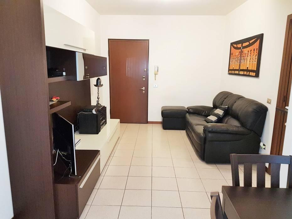 Appartamento trilocale in vendita a Locate Varesino (CO)